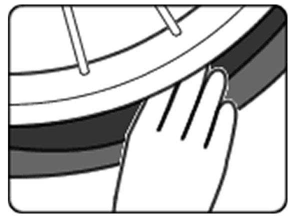 自転車のパンク修理方法③:チューブを戻す 1.チューブに空気を入れる